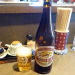 支那そば めでた屋 - 瓶ビール500円