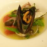 78721647 - 真鯛とムール貝の白ワイン蒸し