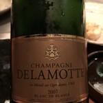 シャカ - まずは、シャンパン。こちらも定番『DELAMOTTE』