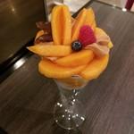 78725184 - 和歌山県 九度山産 あま熟富有柿「希(のぞみ)」のパフェ