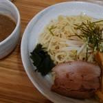 つけめん いのうえ - 料理写真:魚介つけ麺大盛り800円