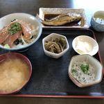 78733969 - カツオの漬け丼、煮魚単品、釜揚げしらす(単品)