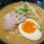 はま寿司 - 旦那が食べてた味噌ラーメン一口もらって食べてみた! 体があったまるぅ~