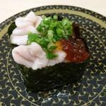 はま寿司 - 旦那が注文した白子軍艦、一個もらって食べてみた! なんか、人が食べてるものっておいしそうに見えちゃうよね(笑)