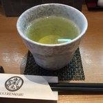 78740011 - 寿司屋さんらしいお茶