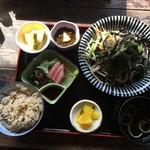 琉球茶房あしびうなぁ - いかすみ麺焼そば定食