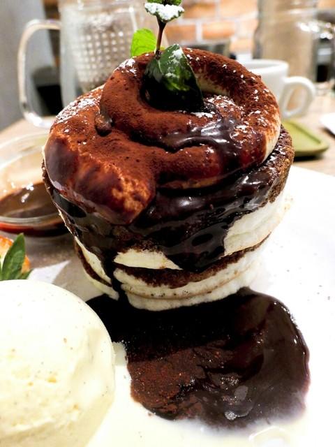 BURN SIDE ST CAFE - ティラミスパンケーキ