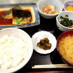 78745643 - 日替わり定食(鯖の生姜煮)