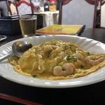 香港料理 明苑 - 海老と卵のかけご飯