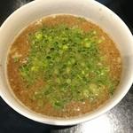 78753243 - 牡蠣と煮干しの塩白湯つけ麺 1000円