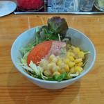 カレーやマドラス - 野菜サラダ