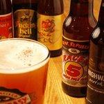 燻製と地ビール 和知 - 日本/アメリカ/ベルギー等のビールが樽生11種類、瓶で100種類楽しめます