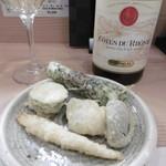 天ぷら いなほ - 白ボトルと天ぷら4種
