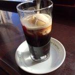 78763062 - コーヒーフロートアップ