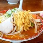 ラーメンふるき - ラーメンふるき@緑ヶ丘(旭川) みそ野菜らーめんの麺