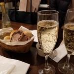 Bistro Roven - シャンパンではなくぶどうジュース♪笑