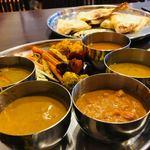 ASIAN KITCHEN KATHMANDU - ランチバイキング。カレー、ナン、前菜いろいろ。