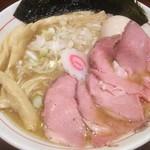 niboshichuukasobasuzuran - 特製煮干そば(アップ)