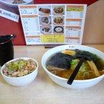 7877720 - 田舎風塩ラーメン+チャンマ小(680円+150円)
