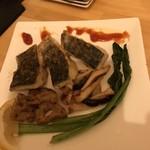 海鮮鉄板 やまおか食堂 - サワラとイカの鉄板焼き