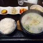 味音 - ソルロンタン(780円)
