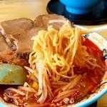 味の一龍 - 味の一龍@苫小牧 地獄3丁目ドデカチャーシューメンの麺