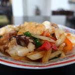 タイ料理889 - エビとイカのバジル炒め(激辛)アップ