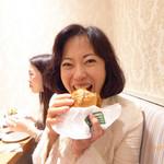 THIS 伊豆 SHIITAKE バーガーキッチン - 出来立て熱々のしいたけバーガー