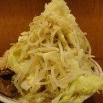自家製太麺 ドカ盛 マッチョ - ラーメン(並) ニンニク・野菜 マシマシ