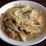 末廣食堂 - 湯麺 650円