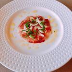 78780666 - 庄内浜のワラサにセロリ、イタリアンパセリを散らしてオリーブオイルと塩で味付け