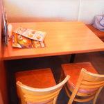 不二家レストラン - 今回は4人がけテーブル席