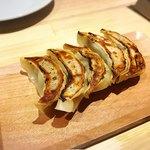 GYOZA BAR Comme a Paris - 肉餃子