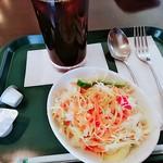 プロント - セットのサラダとドリンク