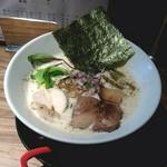 中華そば鷸 - 鶏豚出汁ラーメン