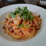 ハーブ キッチン Rosmarino - 料理写真:パスタ・前菜・スープ・ドリンク・デザートセット(1200円) 海老ときのこのトマトクリーム