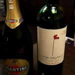 シュラスコ×国産和牛 肉ROCK - スパークリングワイン ボトル \3200 赤ワインボトル \2800