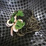 a - 【パスタ】 イカ墨と旬イカのスパゲッティ・ネロ