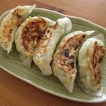 安達食品 - 料理写真:ジャンボ餃子!
