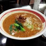 深川 伊勢屋 - イートイン。タンタン麺。