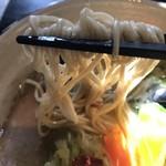 78795639 - 鶏白湯麺 麺アップ