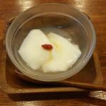 中華 こまめや - 四川麻婆豆腐ランチに付いた杏仁豆腐