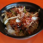 中華そば うさぎ - ピリ辛鰹ネギチャーシュー丼