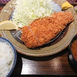 富金豚 - ロースカツ定食。