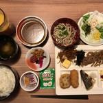 ダイワロイネットホテル - 朝食バイキング 830円(税込)‥‥宿泊料に込み