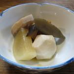 田吾作 - 突き出しの煮物