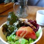 カフェ・ハクタ - ランチのサラダ♪