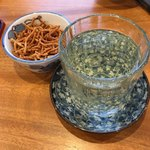 晨翁蕎麦 - 日本酒はたっぷり注がれて納得。