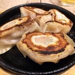 78810833 - 「肉汁餃子4ケ」480円也。