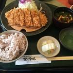 楽一楽座 - 料理写真:ロースカツ定食